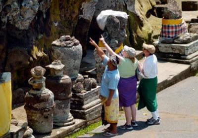 Program travel agent dan pramuwisata gratis